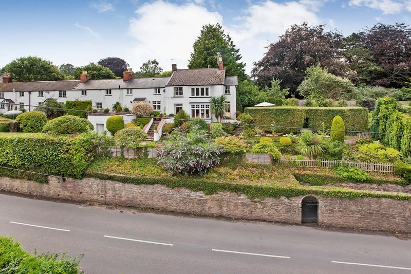 4 Bedrooms Property for sale in Station Road Milverton, Taunton
