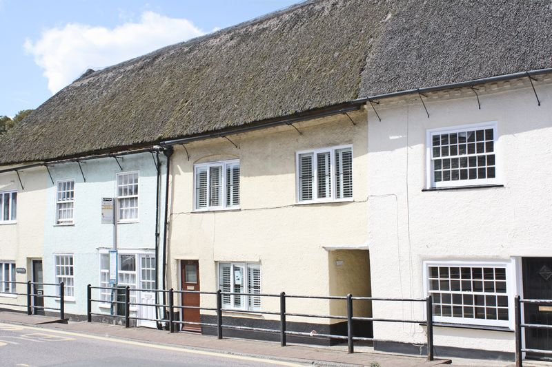 3 Bedrooms Property for sale in High Street, Honiton