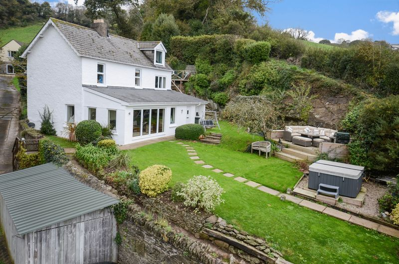 4 Bedrooms Property for sale in Happy Valley Bishopsteignton, Teignmouth