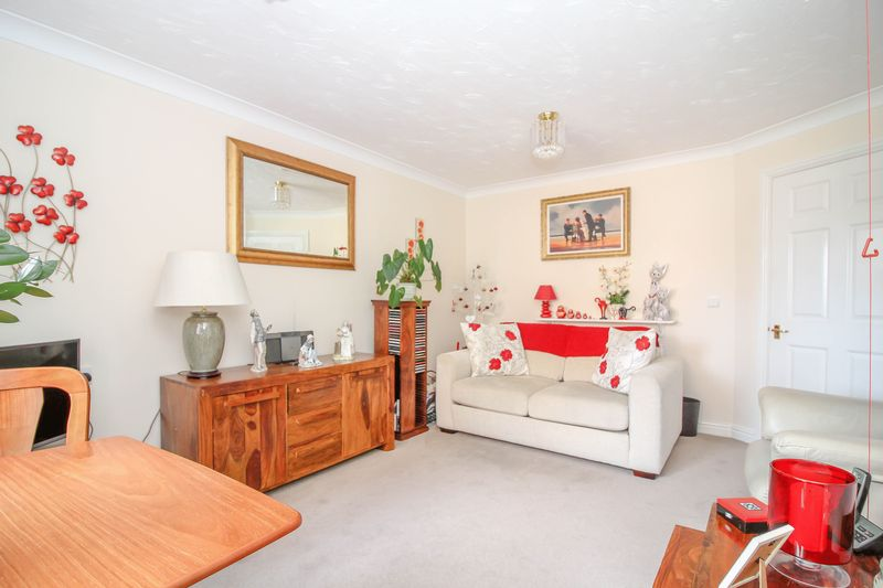 1 Bedroom Property for sale in Longleat Court Park Road, Frome