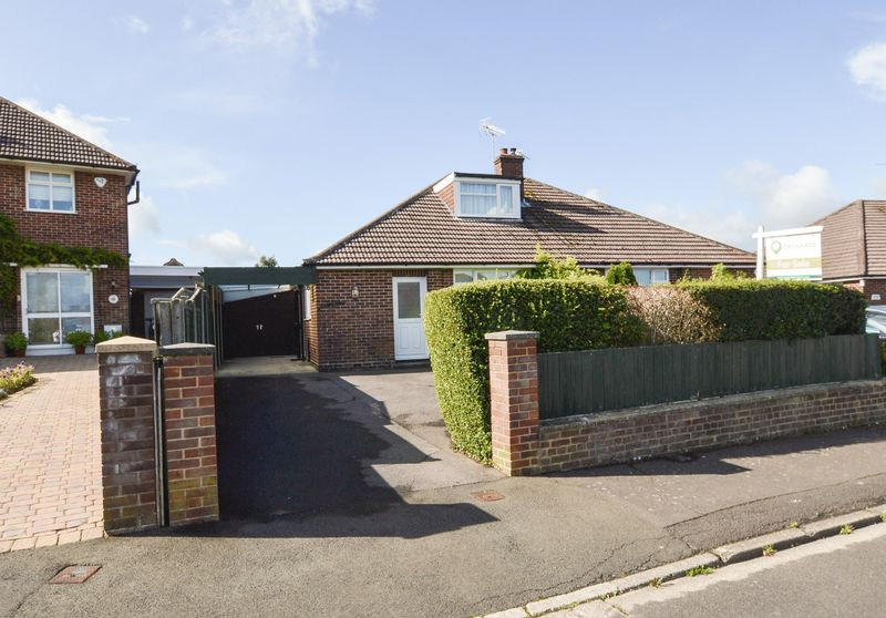 3 Bedrooms Property for sale in High Lea, Yeovil