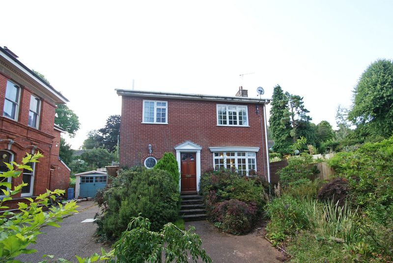 3 Bedrooms Property for sale in The Avenue, Tiverton