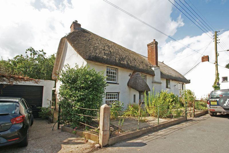 3 Bedrooms Property for sale in Kennford, Exeter