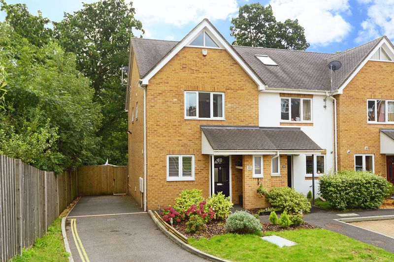 3 Bedrooms Property for sale in Olivia Close Corfe Mullen, Wimborne