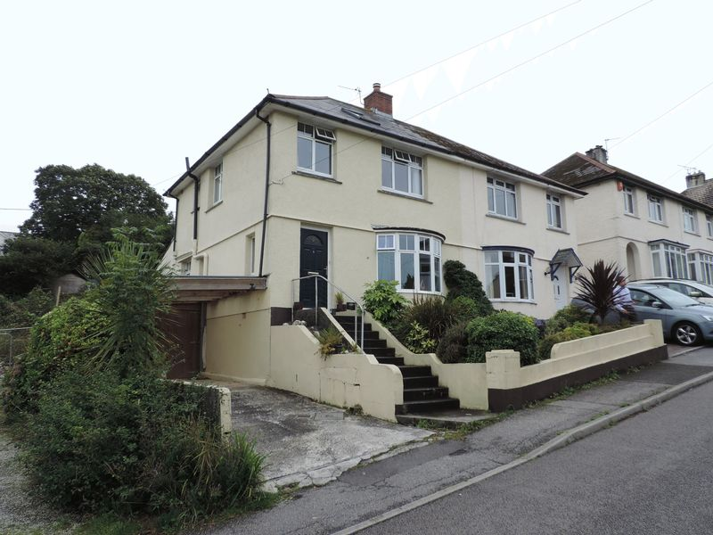 3 Bedrooms Property for sale in Higher Redannick, Truro