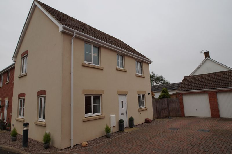 3 Bedrooms Property for sale in Links Close, Burnham-On-Sea