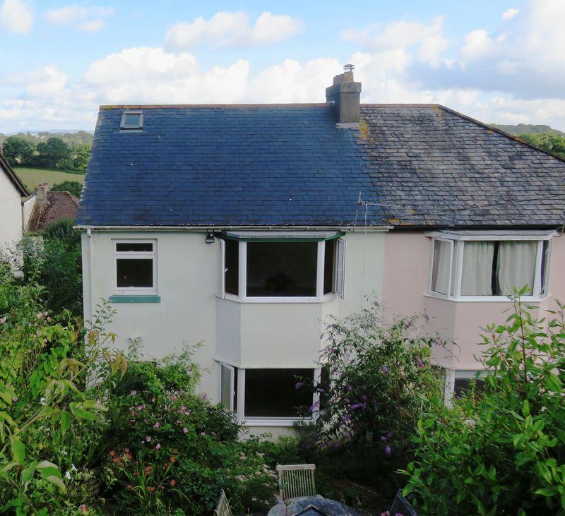 4 Bedrooms Property for sale in Broomborough Drive, Totnes