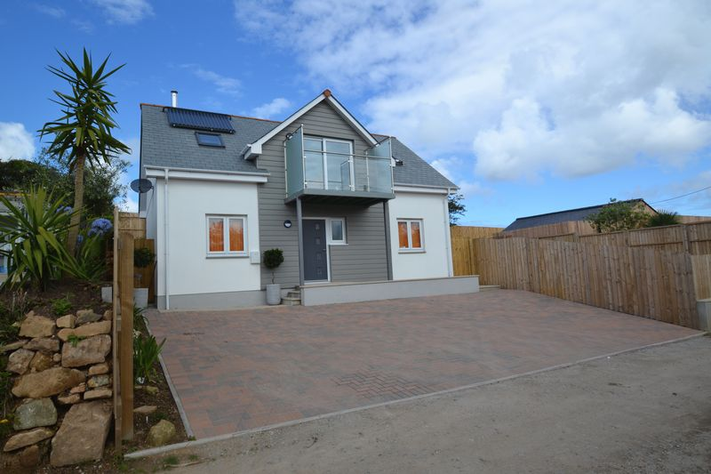 3 Bedrooms Property for sale in Carninney Lane Carbis Bay, St. Ives