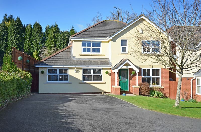 4 Bedrooms Property for sale in Orleigh Avenue, Newton Abbot
