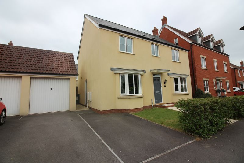 4 Bedrooms Property for sale in Lapwing Close, Portishead