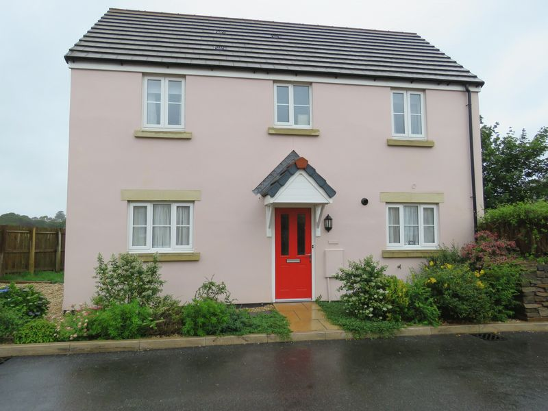 3 Bedrooms Property for sale in King Charles Street, Falmouth
