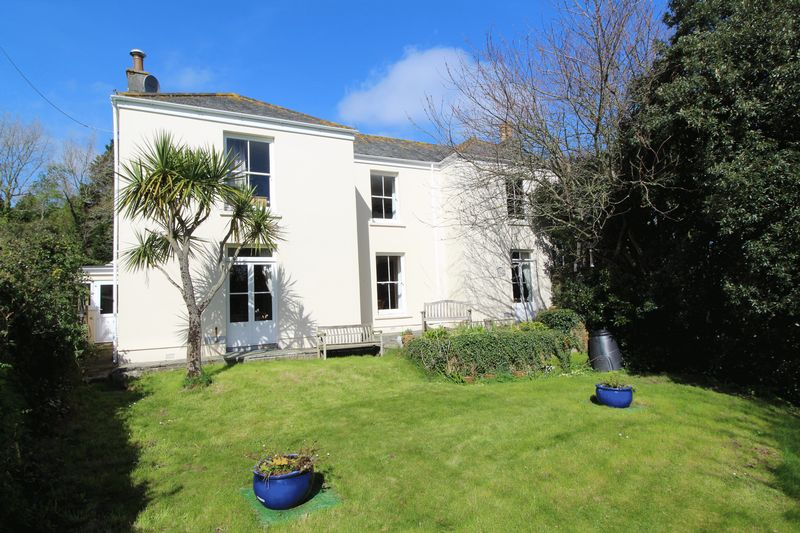 6 Bedrooms Property for sale in Maenporth Road, Falmouth