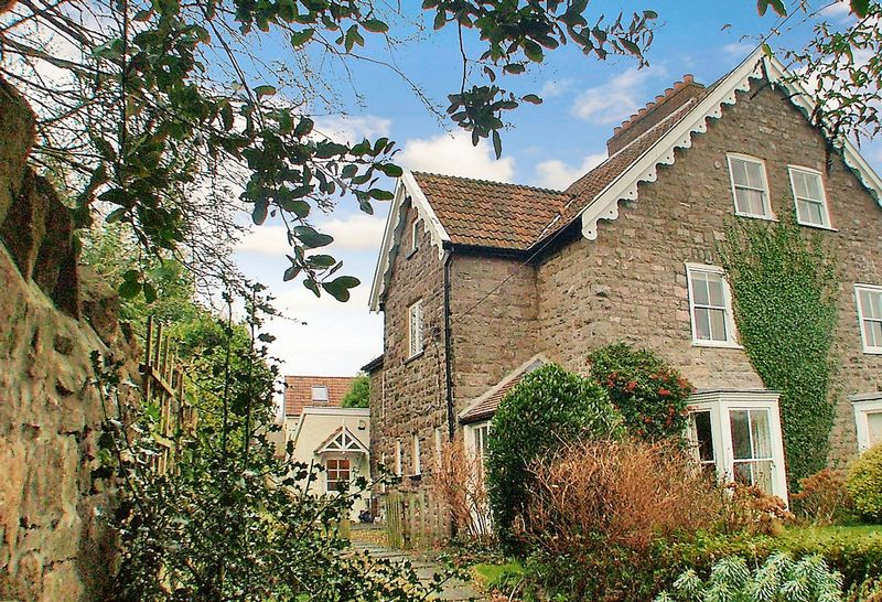 4 Bedrooms Property for sale in Ropers Lane, Wrington