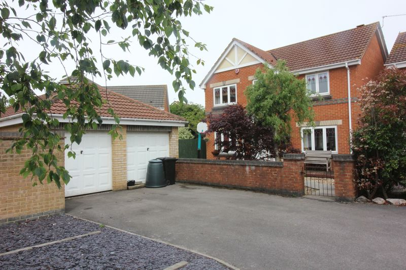 4 Bedrooms Property for sale in Ladymead, Portishead