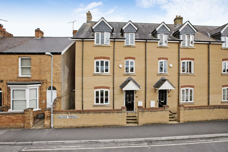 4 Bedrooms Property for sale in Balfour Terrace, Taunton