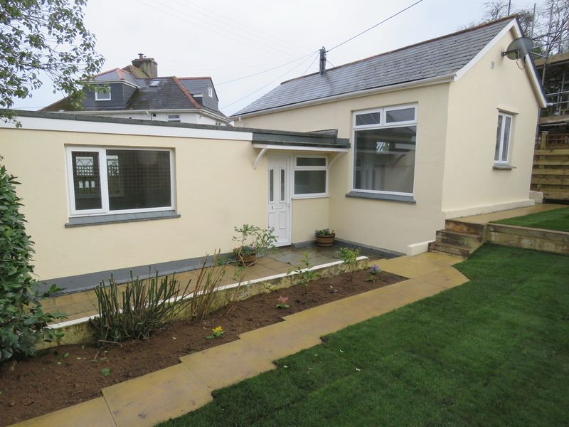 2 Bedrooms Property for sale in Higher Redannick, Truro