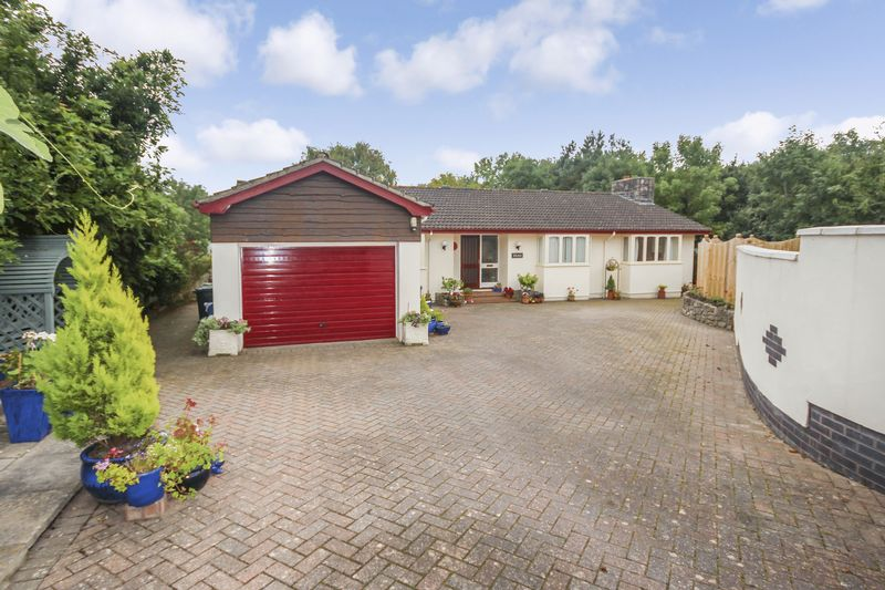 3 Bedrooms Property for sale in Liverton, Newton Abbot