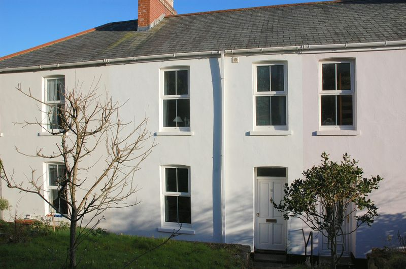 2 Bedrooms Property for sale in Melville Terrace, Lostwithiel