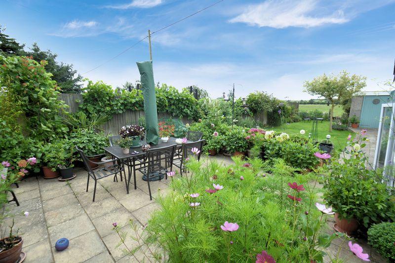 4 Bedrooms Property for sale in Saxons Heath, Long Wittenham, Abingdon