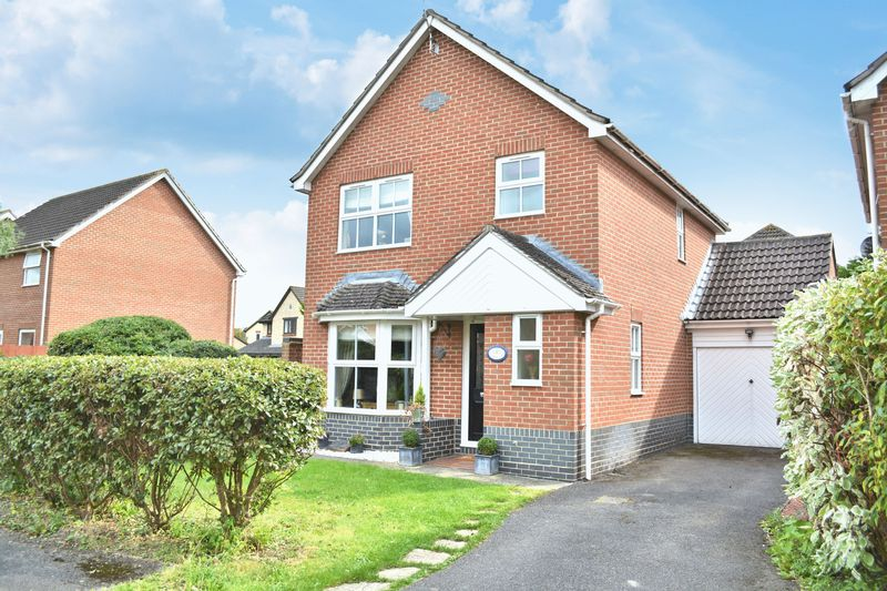3 Bedrooms Property for sale in Churnet Close, Didcot