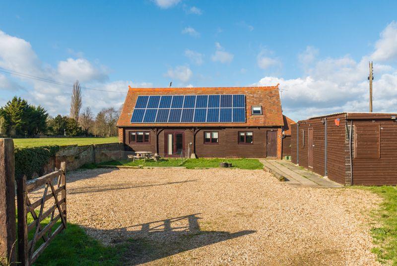 Sharps Barn, Workshop & Yard, Long Wittenham