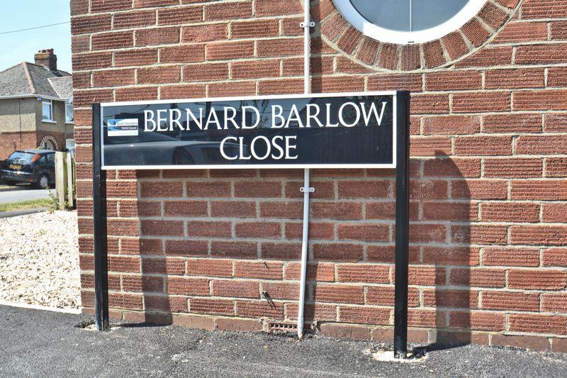 Bernard Barlow Close