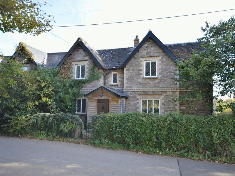 The Cottages Llanvair Cross