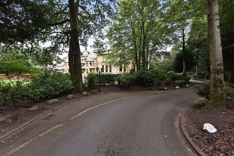 Westlynn, Devisdale Road