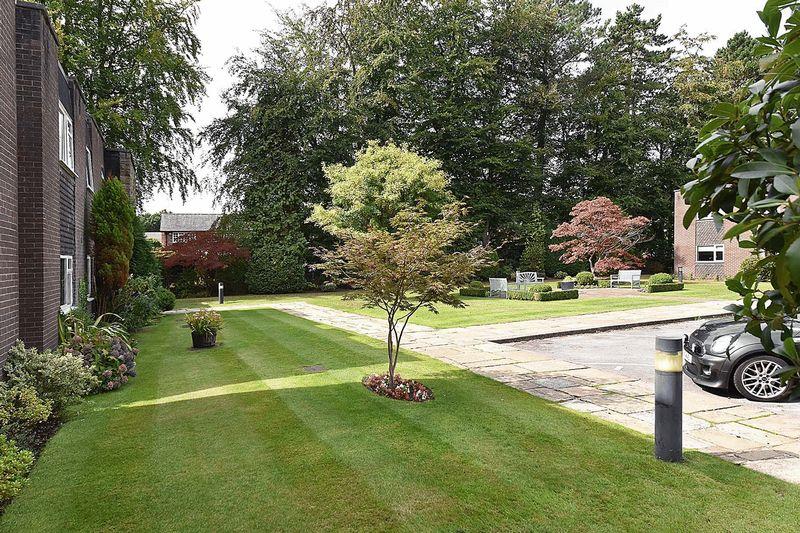 Dunham Lawn Bradgate Road