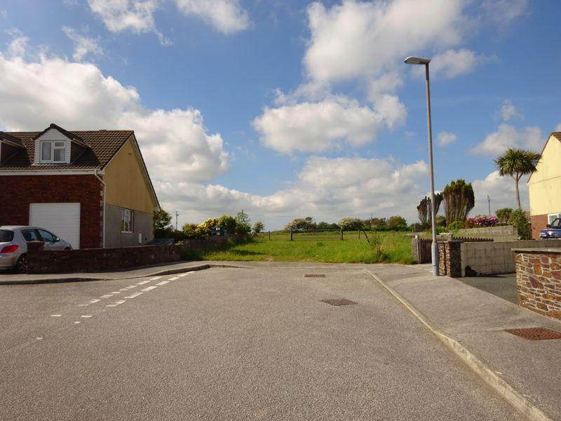 Thornton Close Roche
