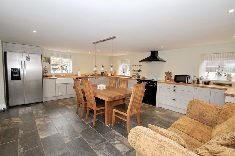 Kitchen/dining room 1