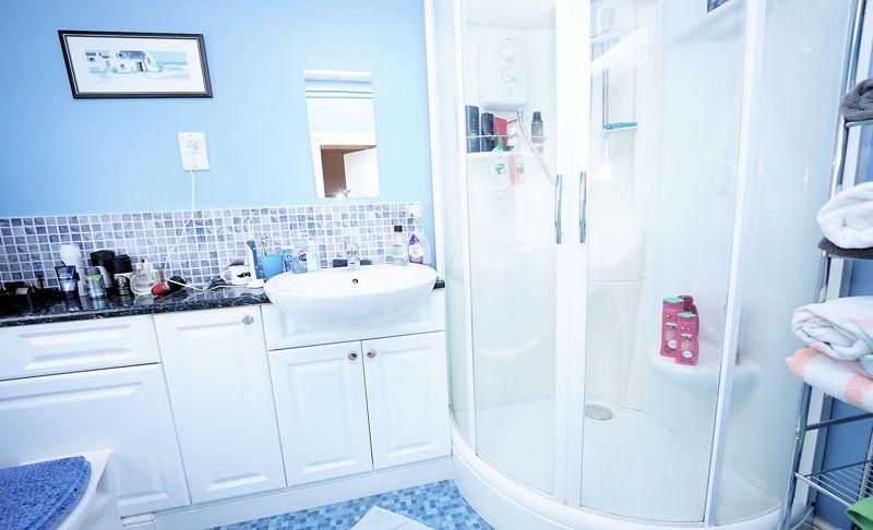 Cloaks - shower room