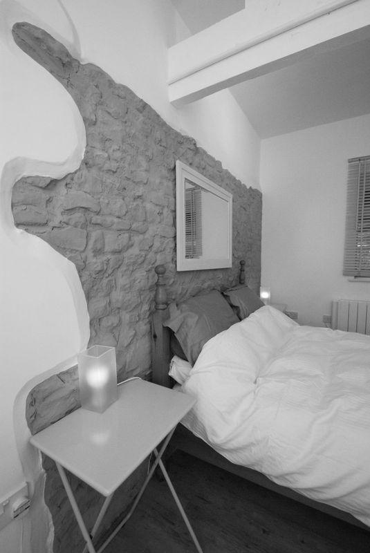Annexe bedroom feature