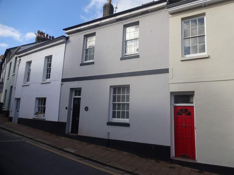 5 Cistern Street