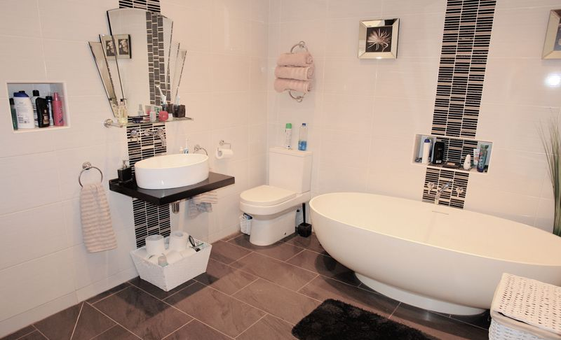 Annex bathroom - wet room
