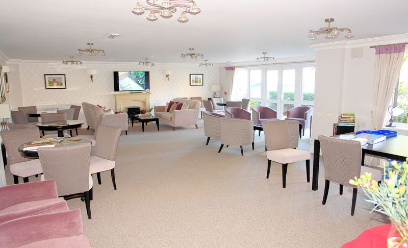 Residents owners lounge