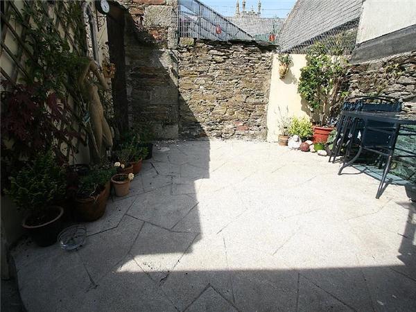 South Facing Courtyard
