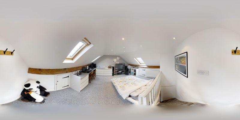 Bedroom 6 - 360'