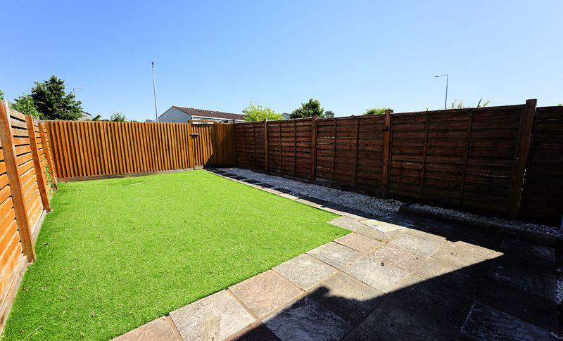 Larger easy keep garden