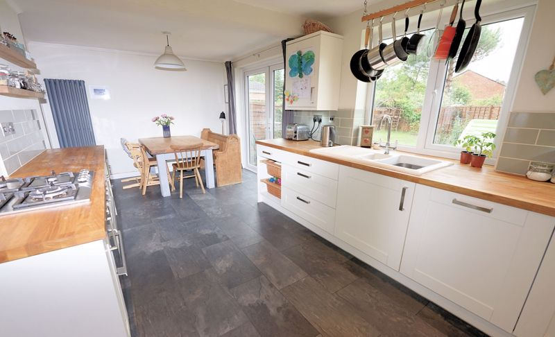 Integrated appliances and access to garden