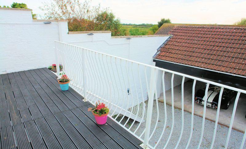 Deck - balcony