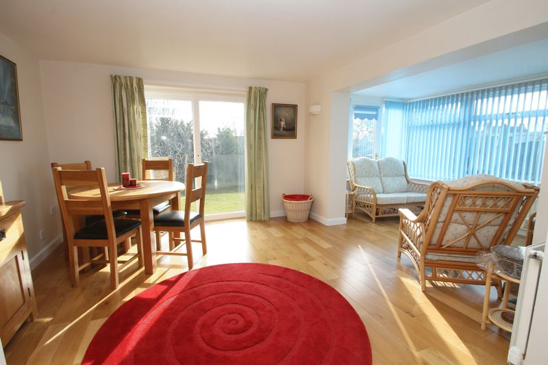 Dining room into sun lounge