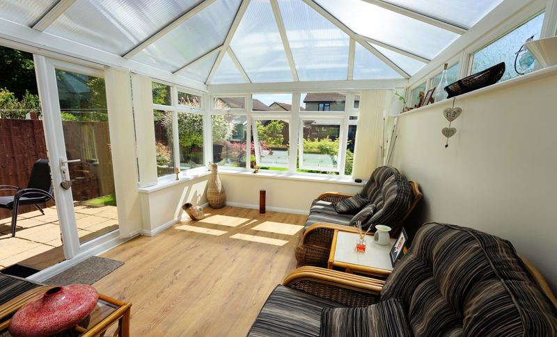 Family room - conservatory