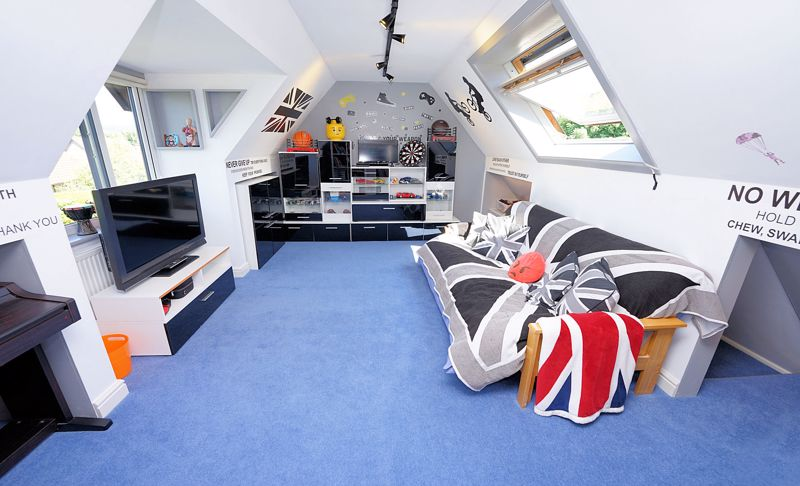 Playroom or a further bedroom