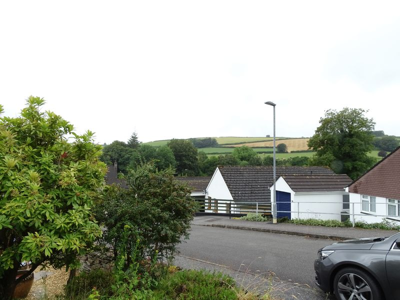 Loveny Close St Neot