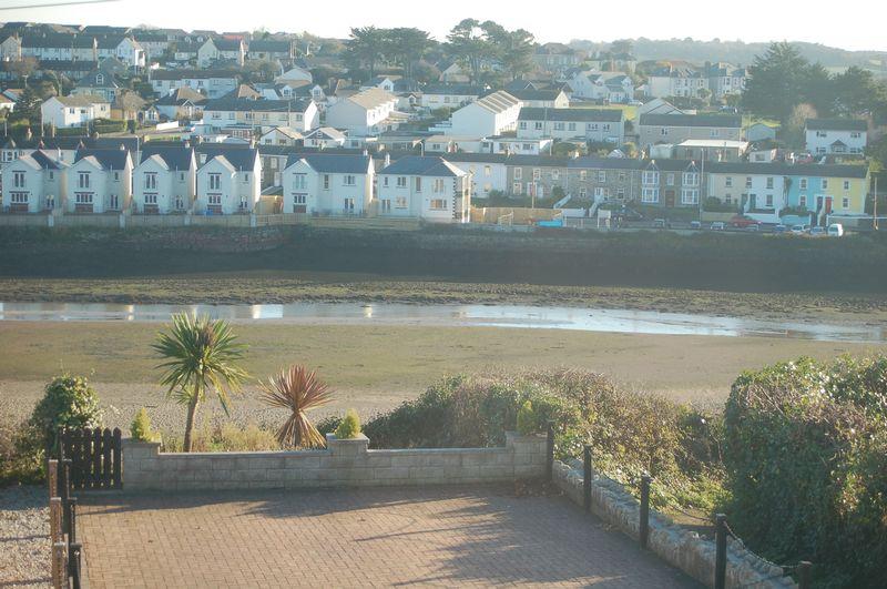 Latest properties berwicks estate agents for 5 clifton terrace winchester b b