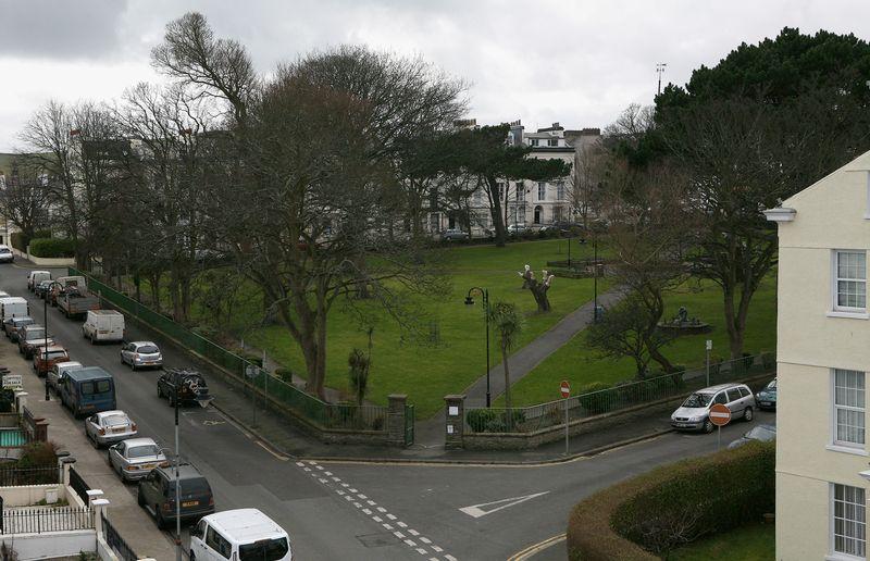 8 Derby Square