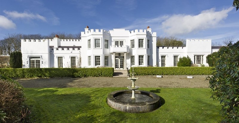Hampton Court Estate, Old Castletown Road