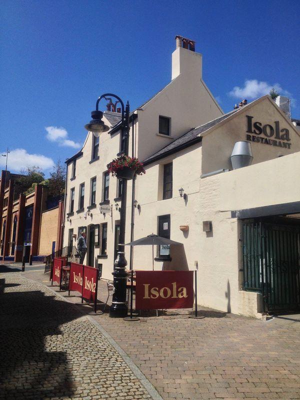 Isola, John Street