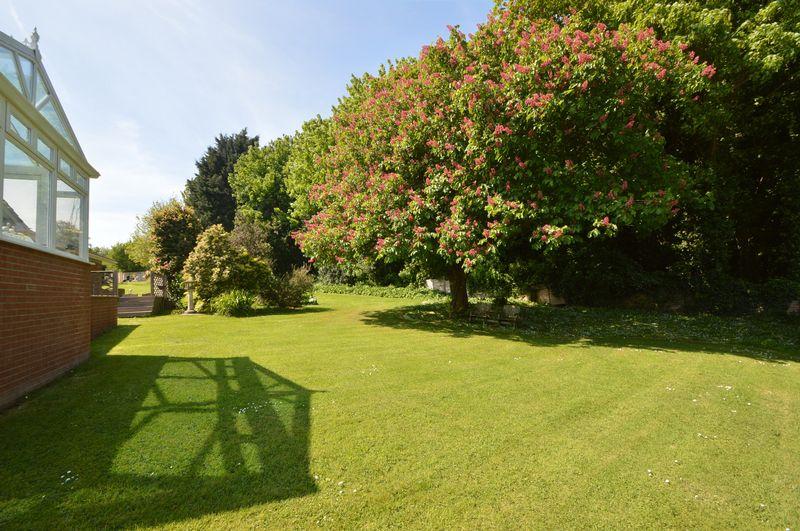 Buckland Gardens